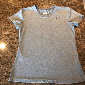 Nike dri-fit women's small fitted T-shirt